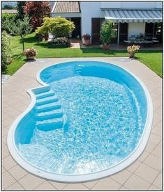 pool im garten ideen Glamorous Garden Design Ideas With Swimming Pools Finished pool: the quick Pool solution S Small Inground Pool, Small Swimming Pools, Small Pools, Swimming Pools Backyard, Swimming Pool Designs, 8 Pool, Swiming Pool, Backyard Pool Landscaping, Backyard Pool Designs