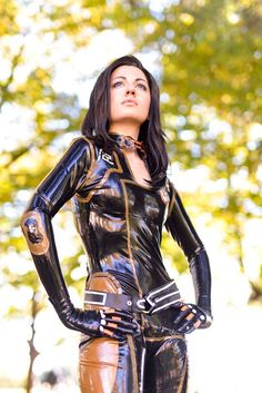 Character: Miranda Lawson / From: BioWare's 'Mass Effect' Video Game Series / Cosplayer: Rebecca Bianchi (aka Berceck) / Photo: M&M PhotoGraphic (2016)