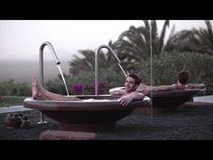 Exclusiva AD: Jon Kortajarena nos recibe en su refugio de LANZAROTE - YouTube Jon Kortajarena, Hottest Male Celebrities, Past Present Future, Future Fashion, Outdoor Furniture, Outdoor Decor, Spain, Instagram, Opera