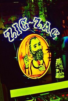 #weed ZigZag