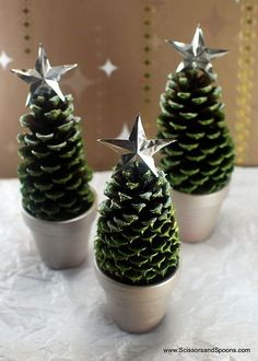 Pine Cone Christmas Trees | Scissors and Spoons