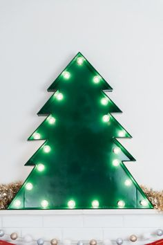 DIY Marquee Christmas Tree by @cydconverse