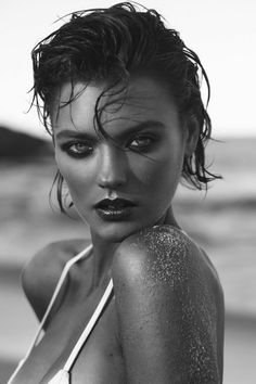 Five Traits that Attract Women. Beauty Photography, White Photography, Portrait Photography, Fashion Photography, Fitness Photography, Black White Art, Black And White Portraits, Beach Editorial, Rave Makeup