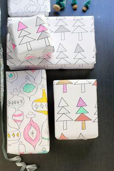 Pacchetti stampabili da colorare http://sayyestohoboken.com/2013/12/printable-gift-wrap.html#more-14807