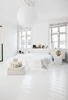5 Best Cool Tips: Minimalist Bedroom Color Life minimalist home interior living room.Minimalist Home Living Room Mirror minimalist bedroom ideas brown. All White Bedroom, White Bedroom Design, White Interior Design, White Rooms, Interior Photo, Trendy Bedroom, Bedroom Designs, Interior Office, Interior Colors