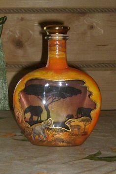 Glass Bottle with decoupage memories 3 Diy Crafts Slime, Diy Arts And Crafts, Decoupage Glass, Decoupage Art, Glass Bottle Crafts, Wine Bottle Art, Decorated Wine Glasses, Jar Art, Altered Bottles
