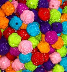 Chunky Acrylic Flower Beads.  Chunky bead jewelry is so popular right now!