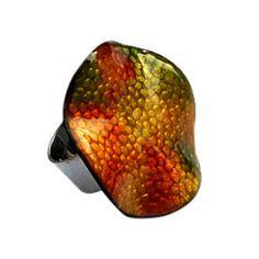 Anell de coure verd, fet a mà amb esmalts al foc. Preu: 40€. Copper ring green, handmade with fire enamels. Price: 40€ | 54.70$ Green Copper, Copper Rings, Cuff Bracelets, Jewels, Jewerly, Gemstones, Fine Jewelry, Gem, Jewelery