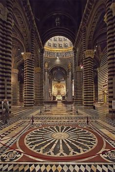 The Cathedral of Siena, province of Siena, Tuscany Italia. Wonderful Places, Beautiful Places, Beautiful Life, The Places Youll Go, Places To Visit, Voyage Rome, Architecture Classique, Tuscany Italy, Siena Italy