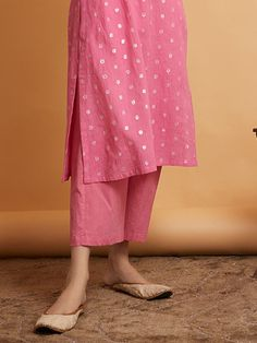 Designer Dresses for Babies Simple Kurta Designs, Kurta Designs Women, Salwar Designs, Dress Indian Style, Indian Dresses, Indian Outfits, Mexican Dresses, Indian Clothes, Indian Wear