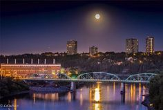 Edmonton you are so pretty under the moon! thks LeCachacs Photography http://www.1502983.jointalkfusion.com