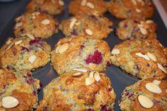 The Traveler: Delicious raspberry almond muffins! http://www.thetraveler.me #delicious #muffins #raspberries #almond #baking #recipes