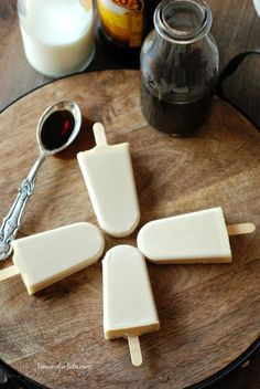 How To Make Iced Coffee Pudding Pops: Kahlúa Café Con Leche