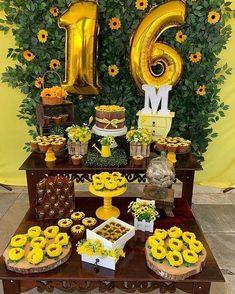 Birthday Party Ideas For Teens Simple 68 Ideas Sunflower Party Themes, Sunflower Birthday Parties, Yellow Birthday, 18th Birthday Party, Birthday Party For Teens, Sweet 16 Birthday, Birthday Party Decorations, Party Favors, Birthday Ideas