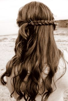 @Yorkdale Old Account Old Account Style #YorkdaleProm lovely curly hair braided