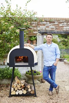 Outdoors Discover Official Distributor for Jamie Oliver Pizza Ovens Australia Polito Wood Fire Ovens Best Outdoor Pizza Oven, Outdoor Oven, Outdoor Cooking, Outdoor Entertaining, Oven Diy, Diy Pizza Oven, Wood Oven Pizza, Garden Pizza, Four A Pizza