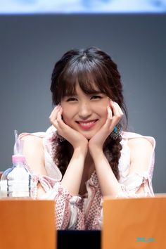 Check out Twice @ Iomoio Nayeon, Kpop Girl Groups, Korean Girl Groups, Kpop Girls, Twice Kpop, Myoui Mina, Japanese American, Dahyun, Kim Jisoo