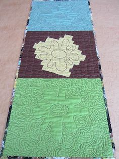 Mrs Moen Free Motion Quilting, Machine Quilting, Creative Inspiration, Quilt Patterns, Beach Mat, Outdoor Blanket, Quilts, Rugs, Design