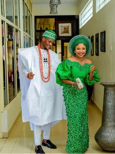 Nigerian Wedding Dresses Traditional, Traditional Wedding Attire, Traditional Outfits, Traditional Weddings, African Lace Styles, African Lace Dresses, Latest African Fashion Dresses, Nigerian Lace Styles, African Style