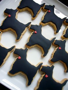 Scottie dog cookies http://www.cakescookiesandcraftsshop.co.uk/