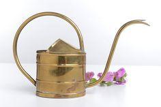Regadera de latón dorado vintage decoración de por Brocantebcn