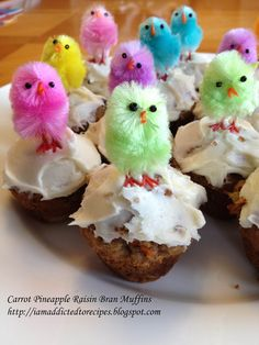 Addicted to Recipes: Carrot Pineapple Raisin Bran Muffins with Cream Cheese Frosting Cookie Desserts, Cupcake Cookies, No Bake Desserts, Dessert Recipes, Breakfast Recipes, Raisin Bran Muffins, Easter Buffet, Carrot Cake Muffins, Easter Recipes