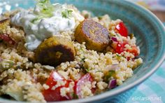 Falafel with cous cous salat and tzaziki Falafel, Tzatziki, Couscous, Mad, Rice, Vegetarian, Yummy Food, Projects, Log Projects