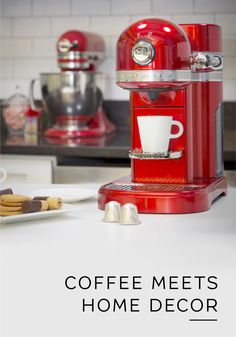 Your daily Nespresso moment has never looked so chic. Check out the Nespresso by KitchenAid coffee machine for a stylish solution to all your espresso needs. With a sleek, modern design and vibrant color options, this gorgeous machine is sure to redefine the style of your kitchen.