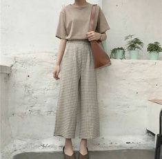 Korean Fashion Trends you can Steal – Designer Fashion Tips Casual Chic Outfits, Cute Outfits, Summer Outfits, Skirt Outfits, Looks Style, Looks Cool, Modest Fashion, Fashion Outfits, Fashion Tips