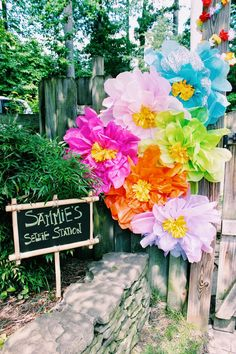 Giant tissue paper flowers and luau party Aloha Party, Party Fiesta, Hawaiian Luau Party, Hawaiian Birthday, Luau Birthday, Tiki Party, Hawaiian Theme, Luau Decorations, Summer Wedding Decorations