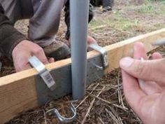 Cómo hacer tu propio invernadero con tubos de PVC – huertaelcampichuelo Margarita, Ideas Para, Gardens, Carp, Build A Greenhouse, Greenhouse Gardening, Pvc Pipes, Chicken Coops, Renewable Energy