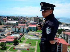 El Chorrillo, ciudad de Panamá, muy cerca de la Cinta Costera. En 2013 inició el programa Policía Comunitaria y, aunque se ha logrado reducir la violencia, falta mucho para arrancar la raíz del problema.