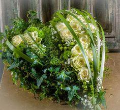 Die Sprache die jeder versteht.  #Herz #Rosen #Liebe #Trauer #Schmerz #Floristik  EBK-Blumenmönche Blumenhaus – Google+