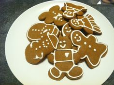 Gingerbread Cookies with Royal Icing; Some Christmas Cheer!