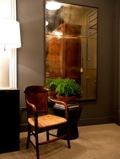 Mirror, small table/stool