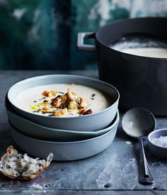 Roast garlic, cheddar and ale soup with fried cauliflower recipe :: Gourmet Traveller