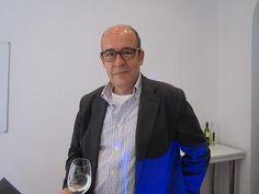 Fernando Gurucharri, Pte. UEC durante la cata de vinos organizada por la Unión Española de Catadores para UCMgastro. Imagen Nuria Blanco (@nuriblan)