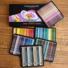Prismacolor 150 colored pencil set