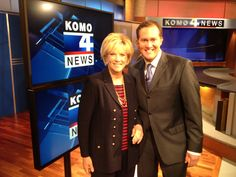 Former GMA host Joan Lunden stopped by KOMO News and Seth Wayne posed for a photo!
