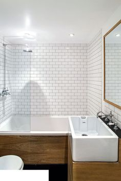 Small bathroom ideas and small bathroom designs for both city and country homes. From small bathroom designs using tile and wallpaper, to help decide on a small bathroom layout. Small Bathroom Layout, Modern Bathroom, Master Bathroom, Bathroom Pink, Family Bathroom, Downstairs Bathroom, Simple Bathroom, Bad Inspiration, Bathroom Inspiration