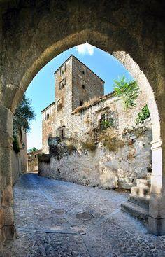 Trujillo Caceres, Spain | Primavera en una Extremadura de leyenda: http://elpais.com/diario/2003/03/22/viajero/1048370887_850215.html