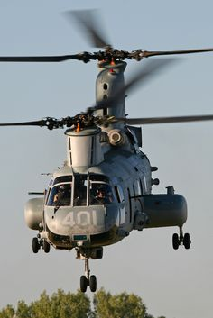 """Boeing-Vertol CH-46E Sea Knight BuNo 154004, HMM-764 """"Moonlight"""". I would love one more ride."""