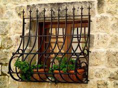 Rustic Window in Siggiewi