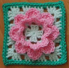 Ravelry: KnitnStitchSue's French Nannie's Granny Square - free pattern by Penny Peberdy