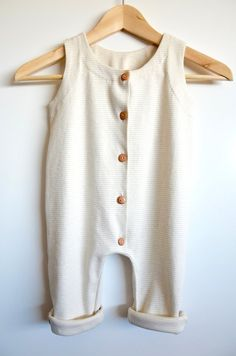 This is an organic cotton romper, natural and undyed. The color of the stripes are green and whitish beige (this is one of the few natural colors of cotton). His is handcrafted and designed in Melbourne. The cotton used is spared by bleach or dyes and - Toddler Boy Outfits, Toddler Fashion, Fashion Kids, Baby Boy Outfits, Toddler Girl, Cheap Fashion, Baby Girls, Baby Clothes Patterns, Cute Baby Clothes