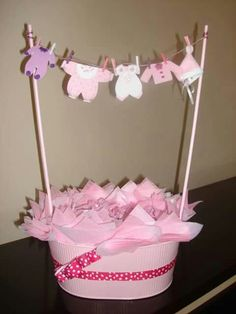 . Baby Shower Baskets, Baby Shower Diapers, Baby Shower Favors, Baby Shower Parties, Baby Shower Cakes For Boys, Girl Baby Shower Decorations, Baby Shower Themes, Baby Boy Shower, Moldes Para Baby Shower