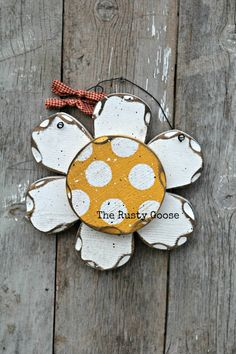 Daisy White Flower Wall Flower Primitive Daisy by therustygoose