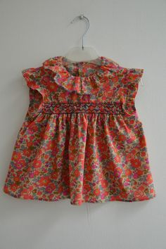 Little Girl Dresses, Girls Dresses, Summer Dresses, Punto Smok, Smocks, Liberty Print, Baby On The Way, Heirloom Sewing, Kind Mode
