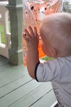 Sensory bag for toddlers using hair gel & googly eyes!
