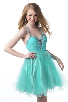 Select from a range of gorgeous prom dresses and gowns at Promlover.Show off your personal style that's made to turn heads with these top dress looks for this year's prom dance!